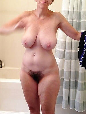 Old mature hairy nude women